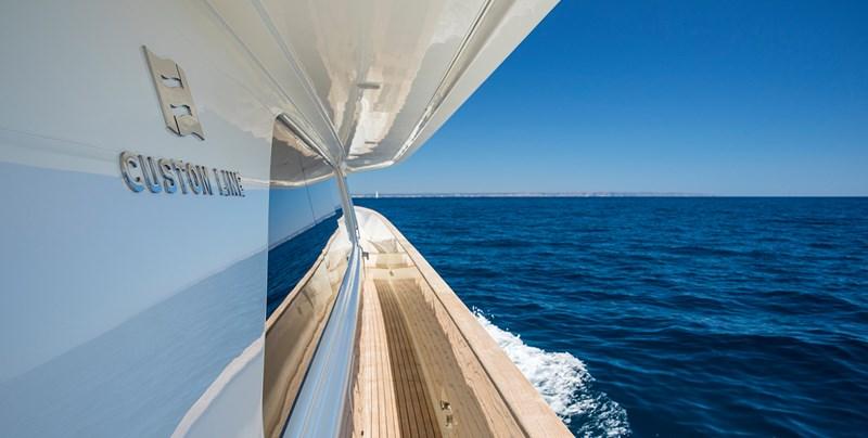 Malvasia Side Deck 2008 FERRETTI CUSTOM LINE Custom Line Navetta 26 Motor Yacht 2583376