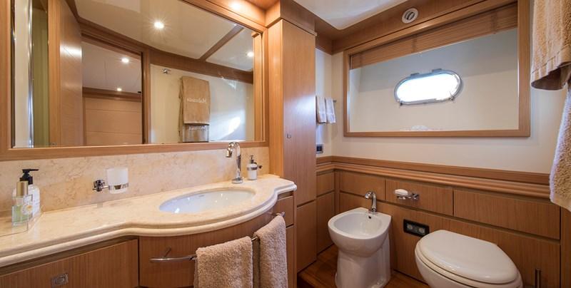 Malvasia Guest bathroom 2008 FERRETTI CUSTOM LINE Custom Line Navetta 26 Motor Yacht 2583382