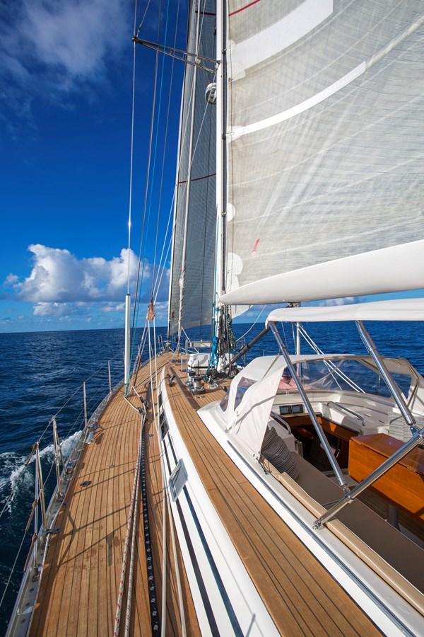 121314BTSC-1038 3 SWAN SWAN 68 Cruising Sailboat 2586753