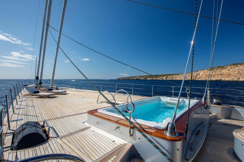 Foredeck 2015 PERINI NAVI  Cruising/Racing Sailboat 2856524