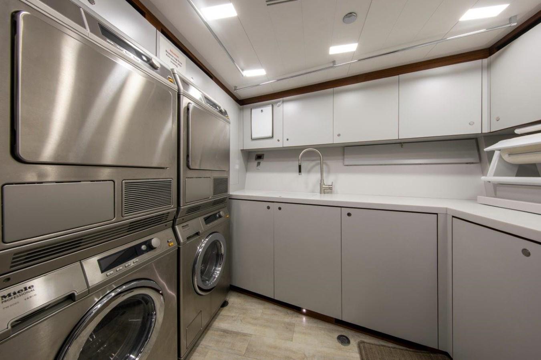 Laundry 2015 PERINI NAVI  Cruising/Racing Sailboat 2856535
