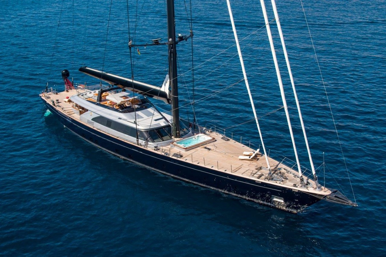 At Anchor 2015 PERINI NAVI  Cruising/Racing Sailboat 2856540
