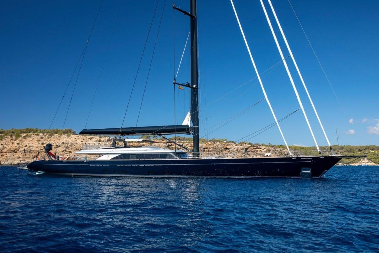 Profile 2015 PERINI NAVI  Cruising/Racing Sailboat 2856541