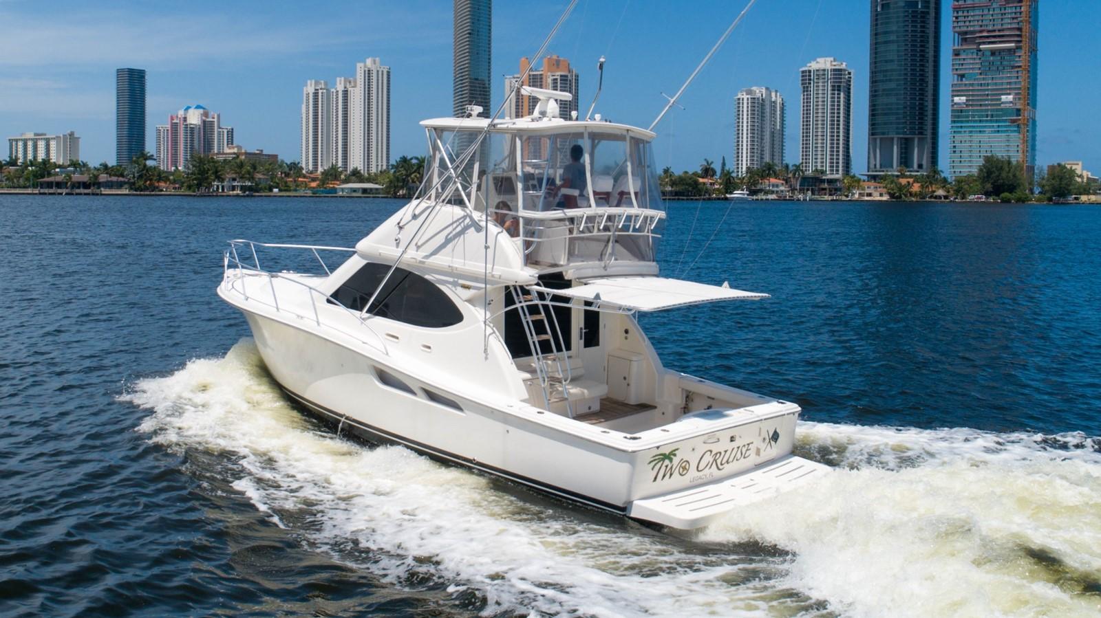 2013 TIARA 3900 Convertible Sport Fisherman 2587698