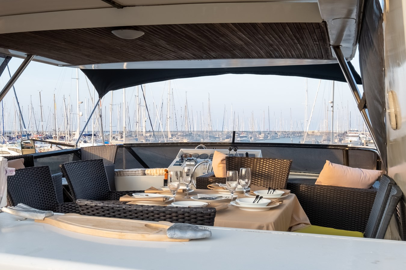 Guy Couach 2701 TIENNA - Flybridge Dining 2 1991 GUY COUACH 2701 Motor Yacht 2680658