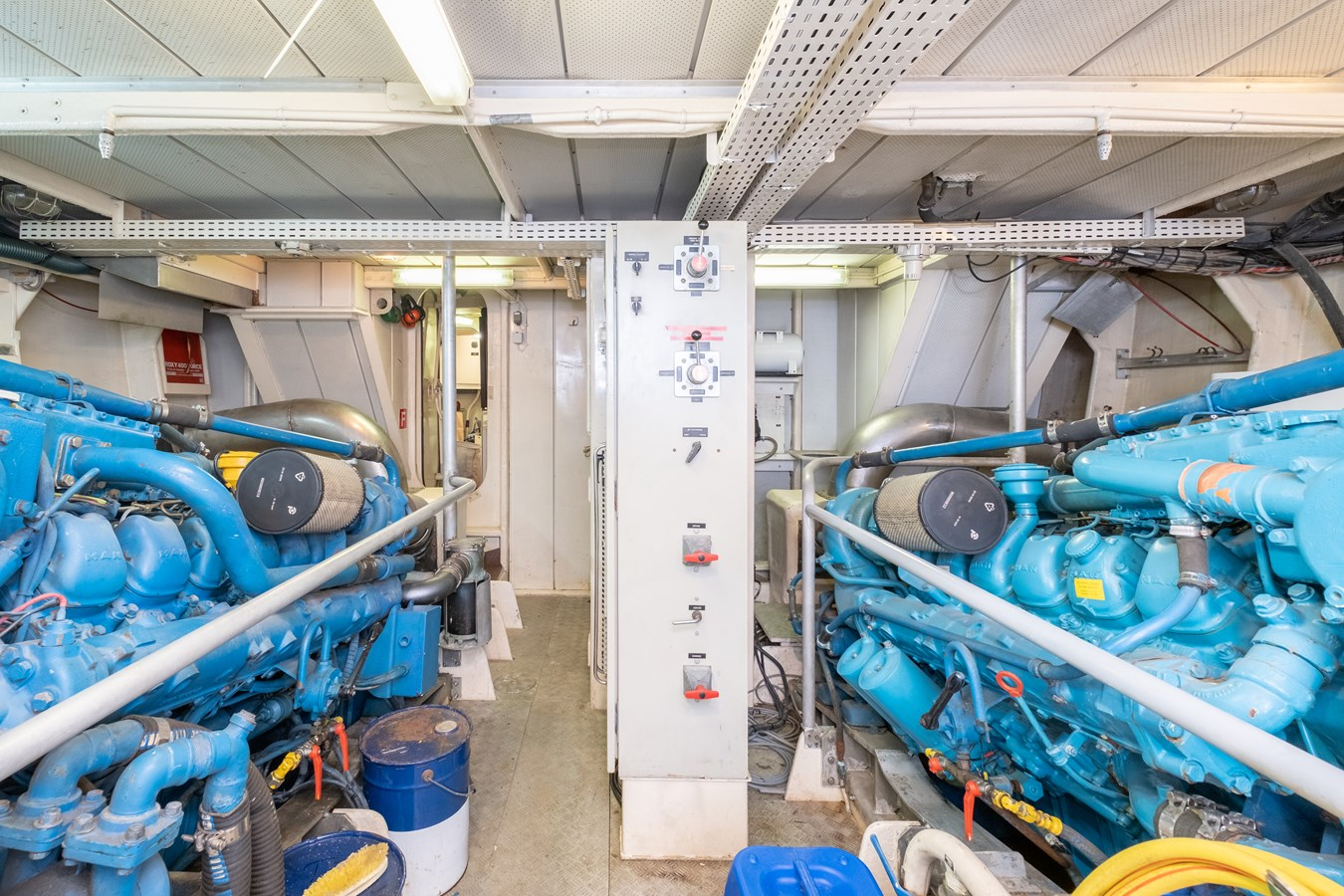 Guy Couach 2701 TIENNA - Engine Room 1991 GUY COUACH 2701 Motor Yacht 2680663