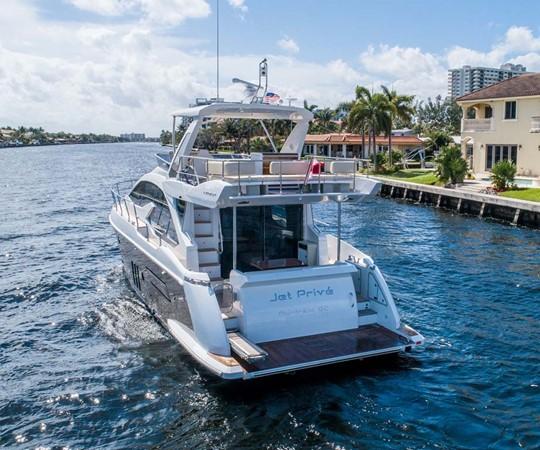 Stern 2016 AZIMUT 50 Flybridge Cruiser 2687555