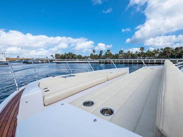 Foredeck Sun Pad 2016 AZIMUT 50 Flybridge Cruiser 2687559