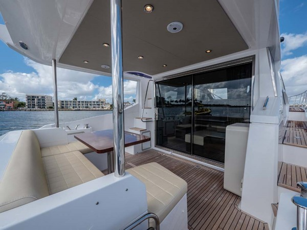 Cockpit 2016 AZIMUT 50 Flybridge Cruiser 2687561