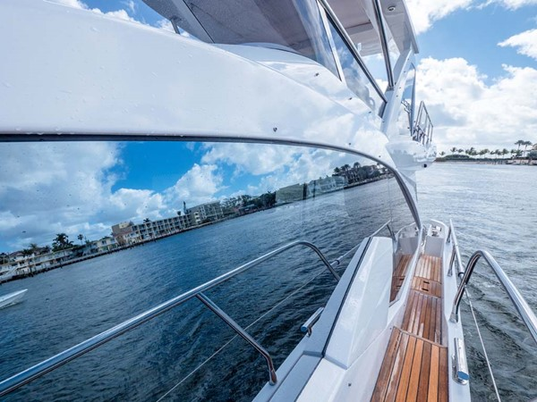 Port Side Deck Looking Aft 2016 AZIMUT 50 Flybridge Cruiser 2687563