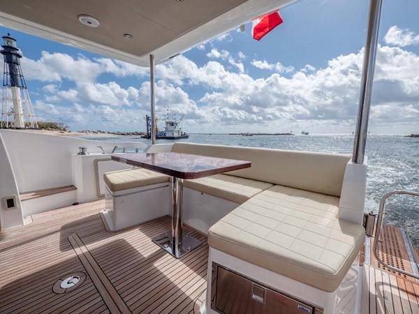 Bridge Seating 2016 AZIMUT 50 Flybridge Cruiser 2687571
