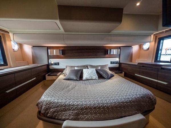 Master Stateroom 2016 AZIMUT 50 Flybridge Cruiser 2687584