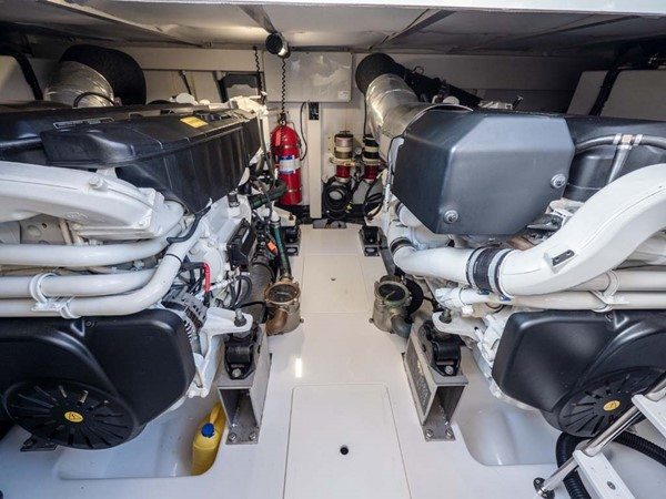 Engine Room 2016 AZIMUT 50 Flybridge Cruiser 2687600