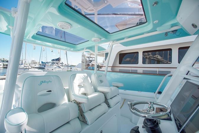 Helm Seats 2017 YELLOWFIN  Motor Yacht 2592451
