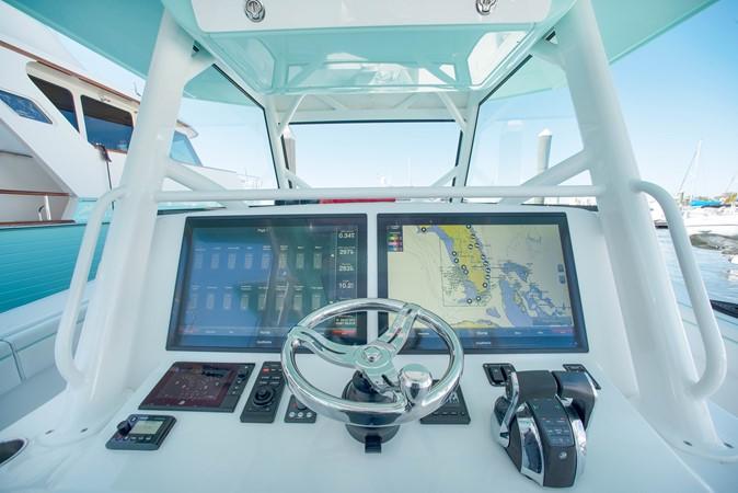 Navigation Screens 2017 YELLOWFIN  Motor Yacht 2592452