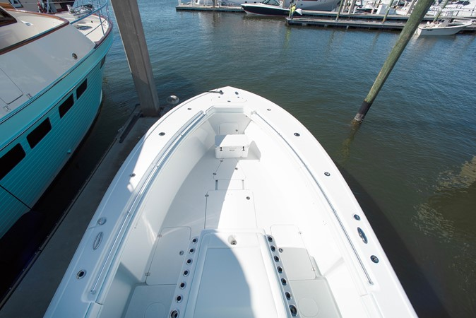 Bow 2017 YELLOWFIN  Motor Yacht 2592453