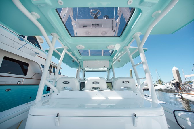 Overhead Helm 2017 YELLOWFIN  Motor Yacht 2592454