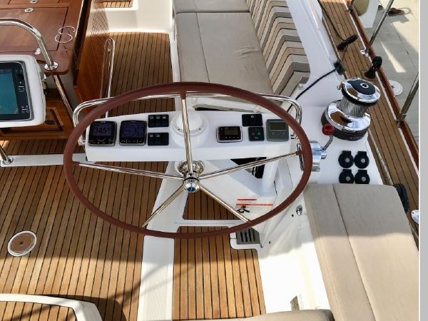 2014 JEANNEAU 57 Cruising Sailboat 2591225