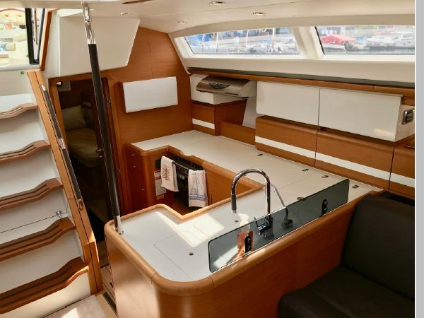 2014 JEANNEAU 57 Cruising Sailboat 2591254