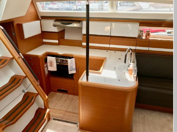 2014 JEANNEAU 57 Cruising Sailboat 2591255