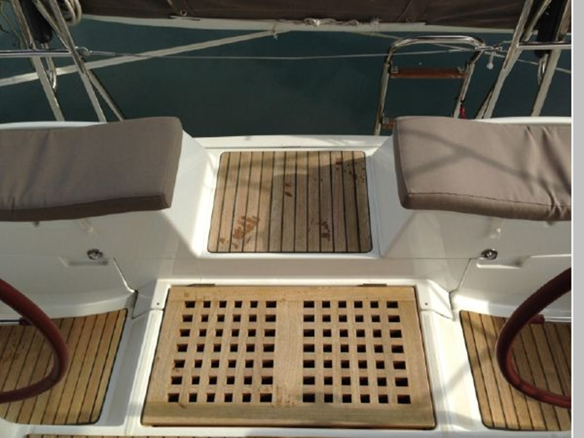 2011 JEANNEAU 53 Cruising Sailboat 2591629