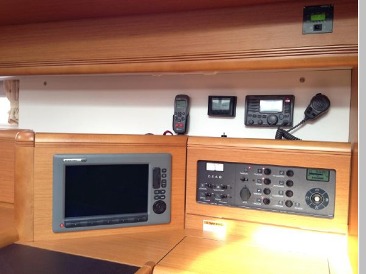 2011 JEANNEAU 53 Cruising Sailboat 2591643