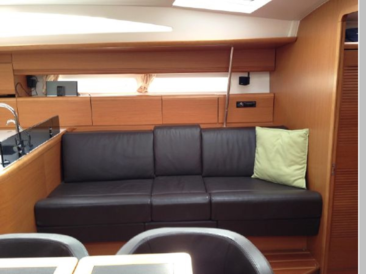 2011 JEANNEAU 53 Cruising Sailboat 2591661