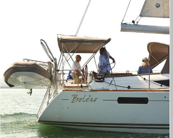 2011 JEANNEAU 53 Cruising Sailboat 2591595