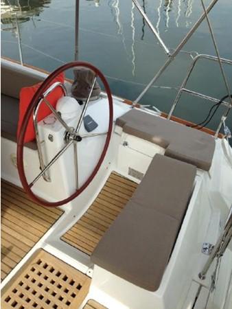 2011 JEANNEAU 53 Cruising Sailboat 2591622