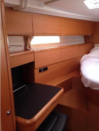 2011 JEANNEAU 53 Cruising Sailboat 2591668