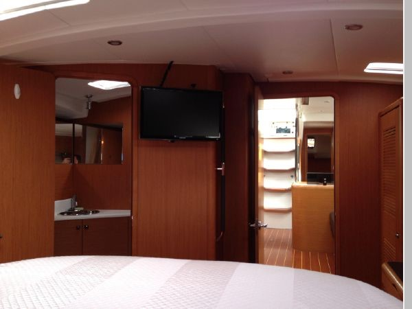 2011 JEANNEAU 53 Cruising Sailboat 2591670