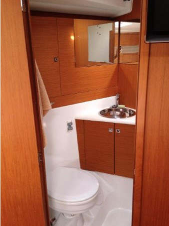 2011 JEANNEAU 53 Cruising Sailboat 2591671