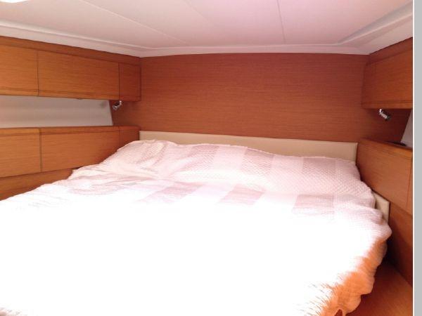 2011 JEANNEAU 53 Cruising Sailboat 2591674
