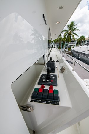 2006 CHEOY LEE 84 Bravo Motor Yacht 2602238