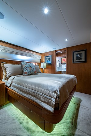 2006 CHEOY LEE 84 Bravo Motor Yacht 2602351