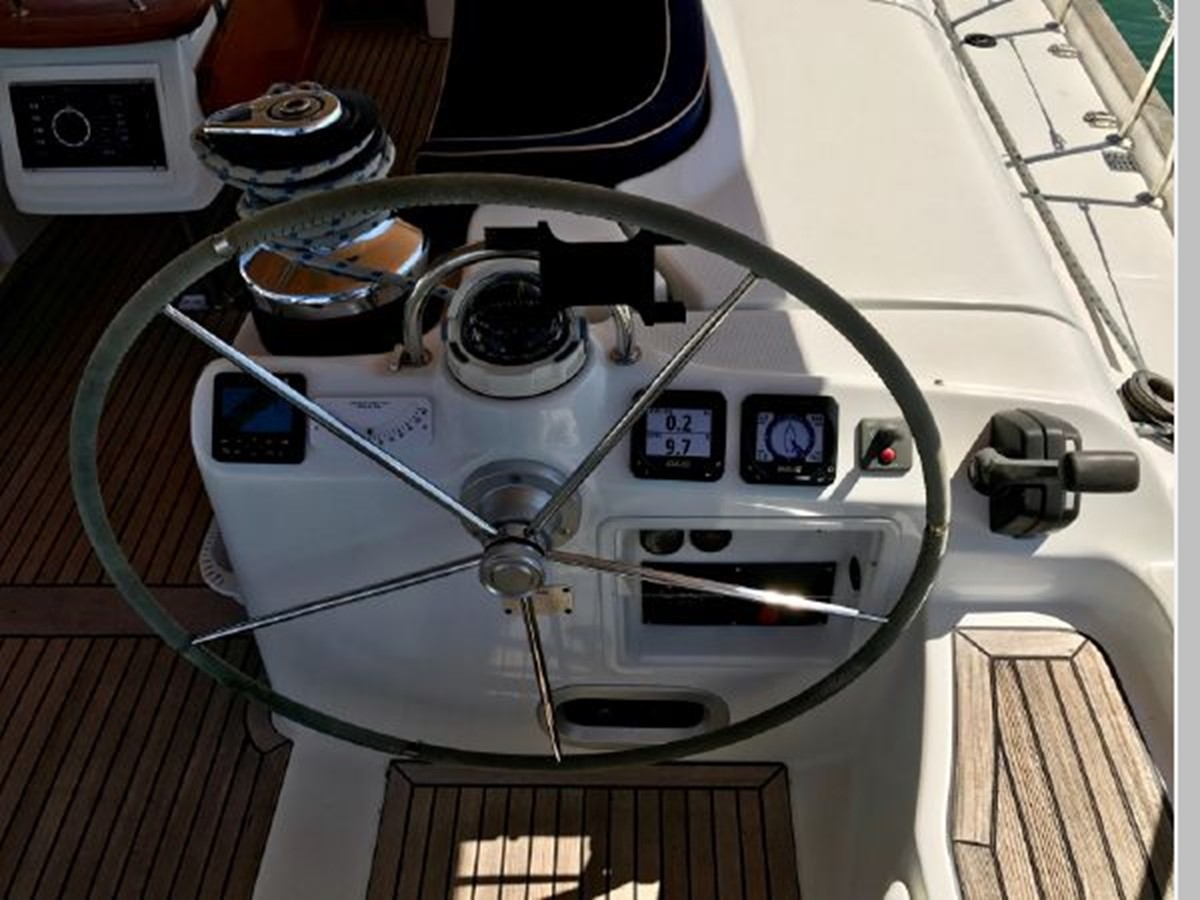 2006 BENETEAU 523 Cruising/Racing Sailboat 2592744