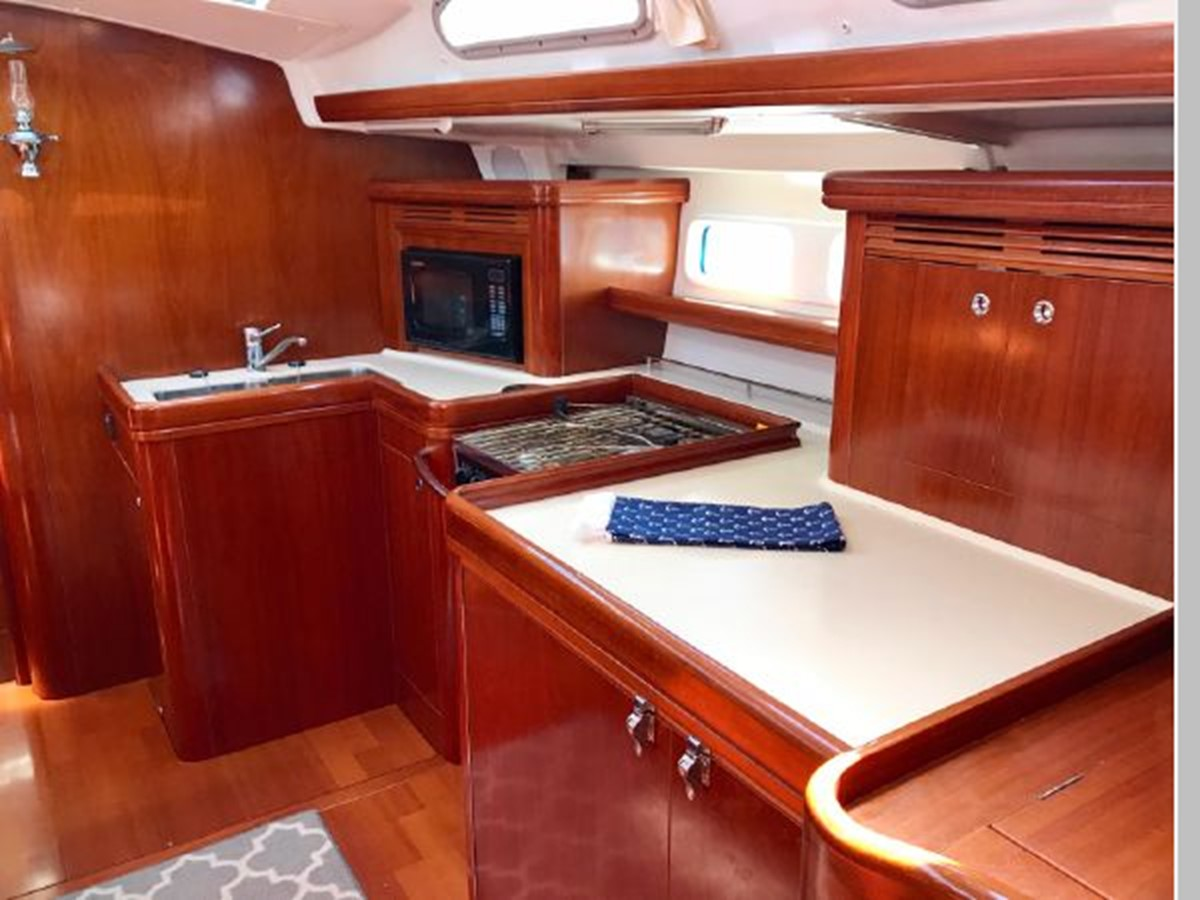 2006 BENETEAU 523 Cruising/Racing Sailboat 2592772