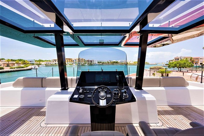 Flybidge Helm 2018 SUNREEF 68 Supreme Power Catamaran 2595763