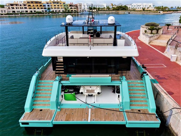 Stern View 2018 SUNREEF 68 Supreme Power Catamaran 2595800