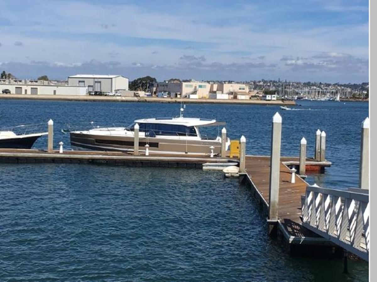 2016 JEANNEAU NC 14 Motor Yacht 2594466