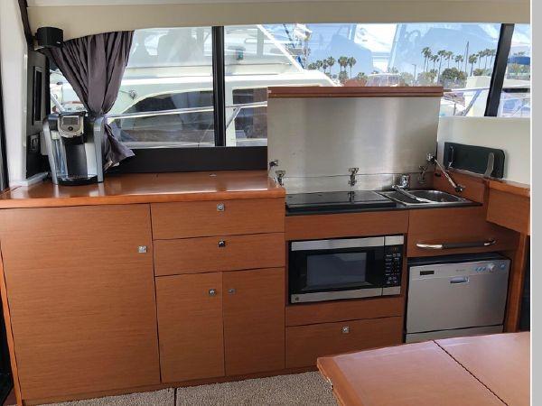 2016 JEANNEAU NC 14 Motor Yacht 2594395