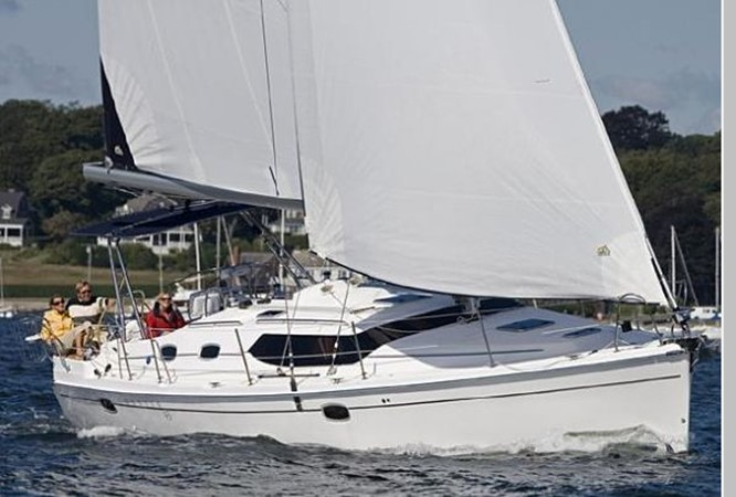 2011 HUNTER 45 Deck Salon Cruising/Racing Sailboat 2595052