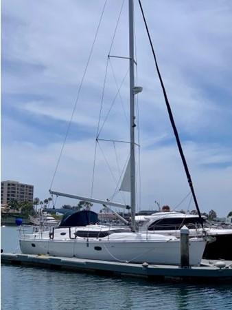 2011 HUNTER 45 Deck Salon Cruising/Racing Sailboat 2595053