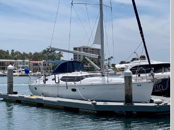 2011 HUNTER 45 Deck Salon Cruising/Racing Sailboat 2595054