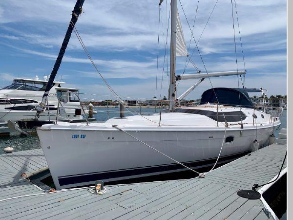 2011 HUNTER 45 Deck Salon Cruising/Racing Sailboat 2595056