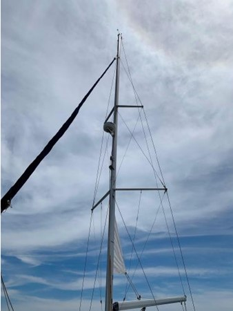 2011 HUNTER 45 Deck Salon Cruising/Racing Sailboat 2595057