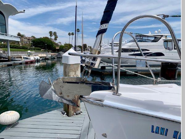 2011 HUNTER 45 Deck Salon Cruising/Racing Sailboat 2595058