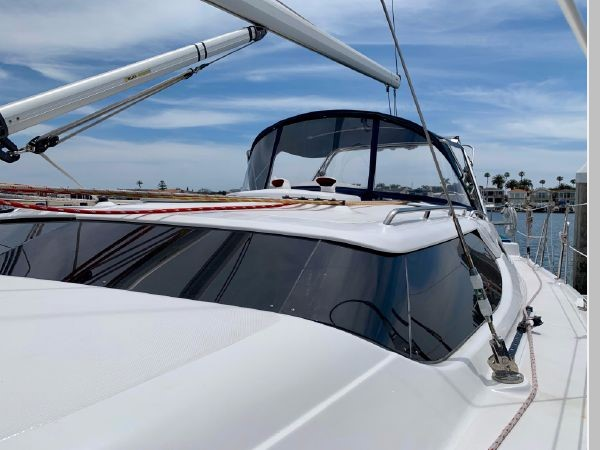 2011 HUNTER 45 Deck Salon Cruising/Racing Sailboat 2595061