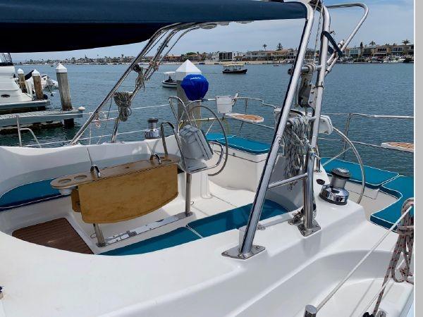 2011 HUNTER 45 Deck Salon Cruising/Racing Sailboat 2595063