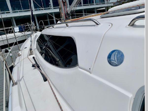 2011 HUNTER 45 Deck Salon Cruising/Racing Sailboat 2595066